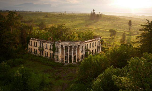 გალი – კოლეჯის შენობა © Amos Chapple